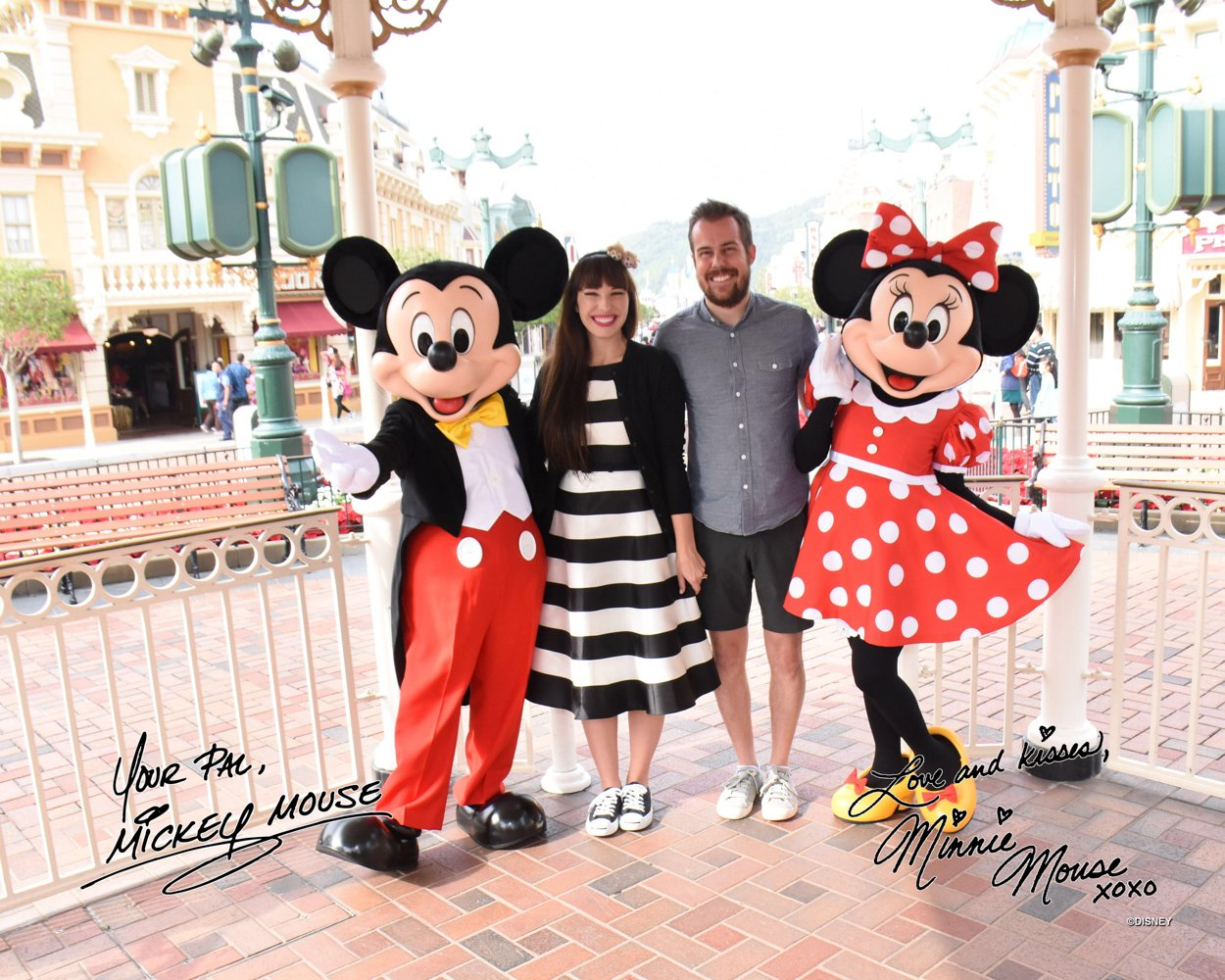 Why character meet and greets at hong kong disneyland are a must do disneyland hong kong disney style 2 m4hsunfo
