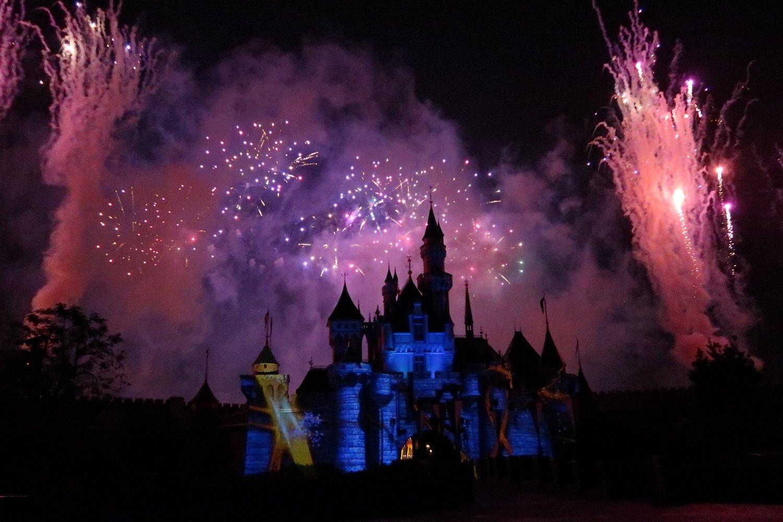 disneyland hong kong fireworks-2