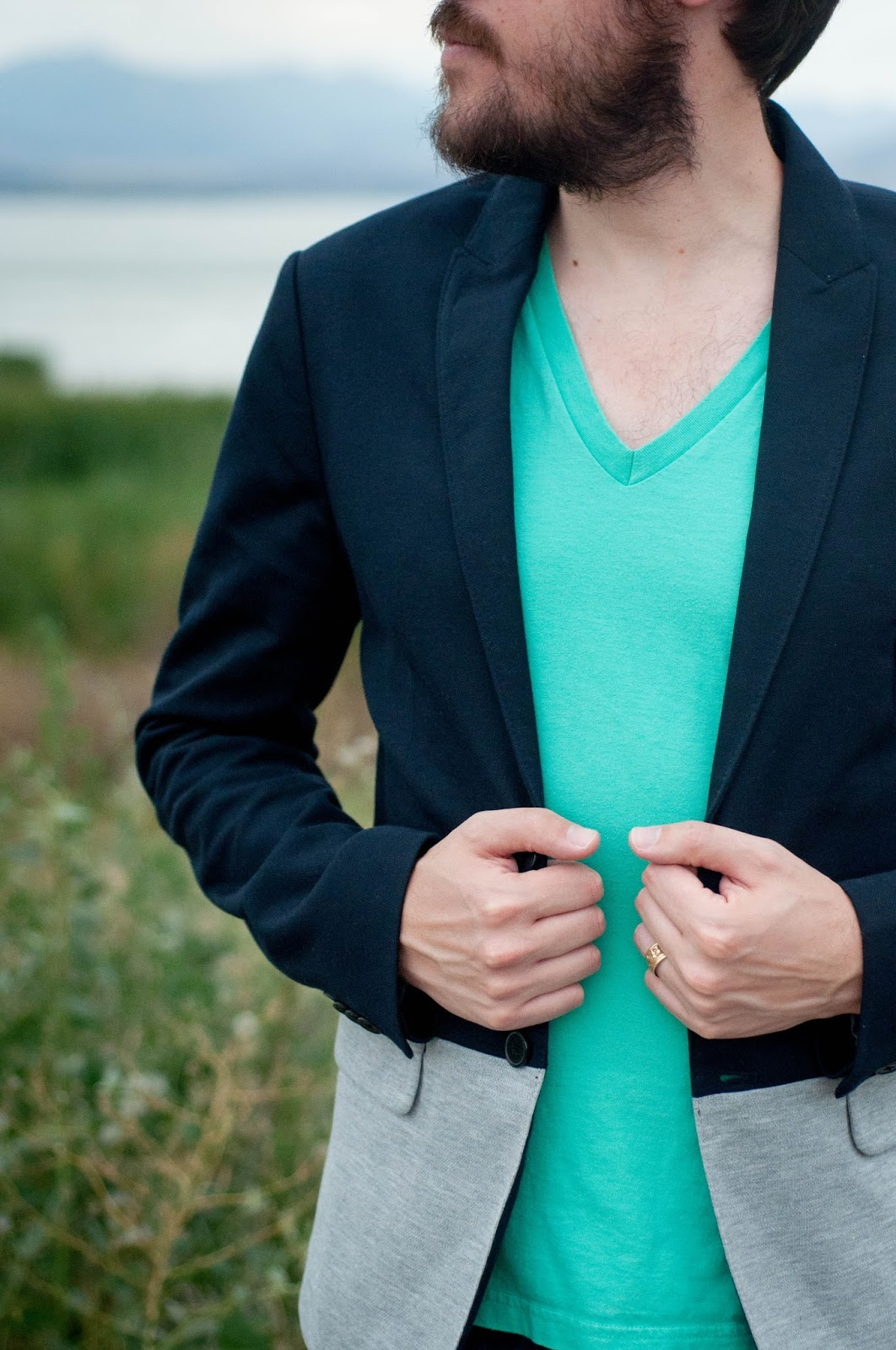 mens ootd, mens fashion blog, mens style blog, american apparel v neck, v neck shirt, zara blazer