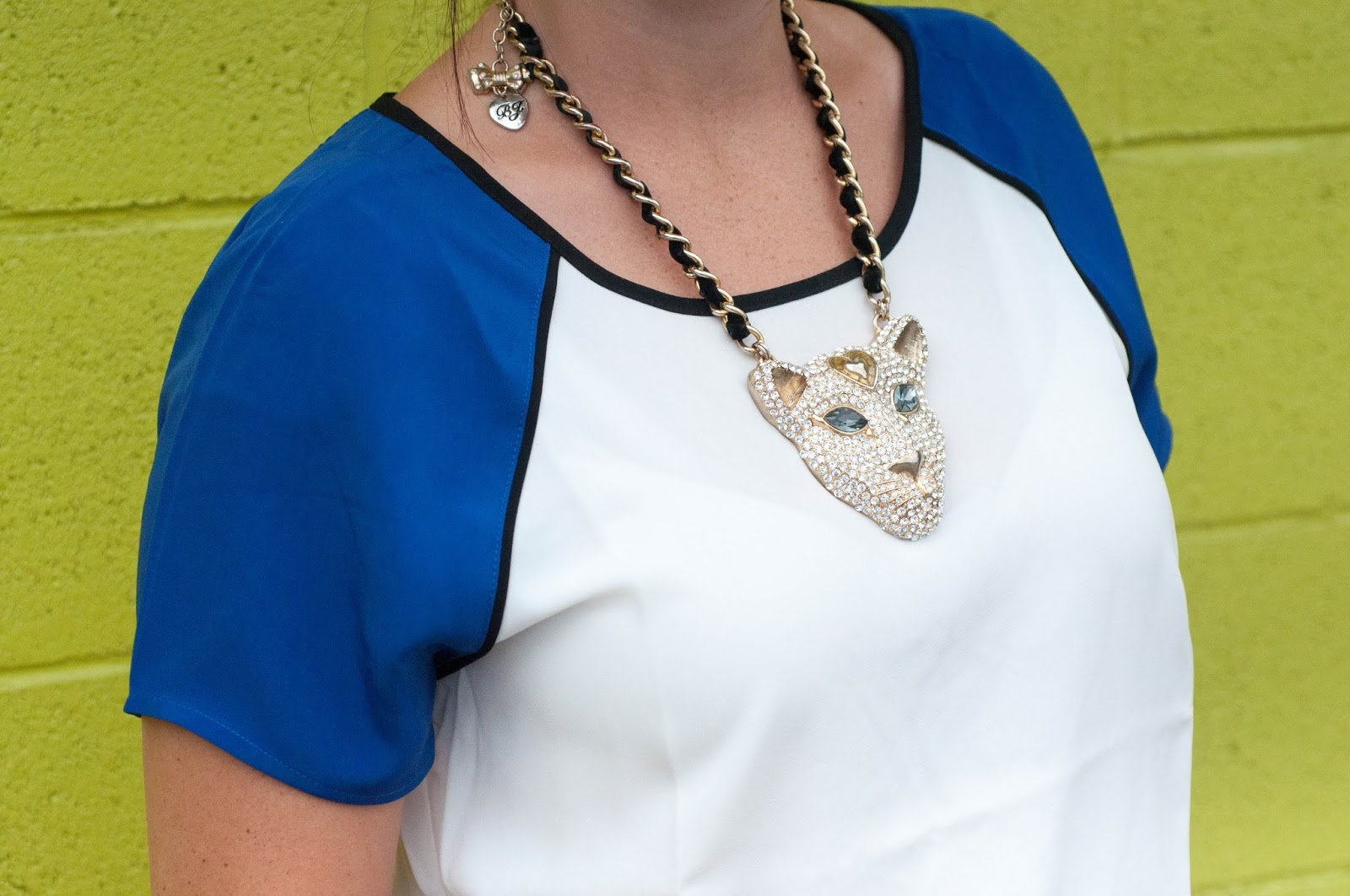 betsey johnson, jaguar necklace, animal head necklace, chunky necklace, forever 21, ootd