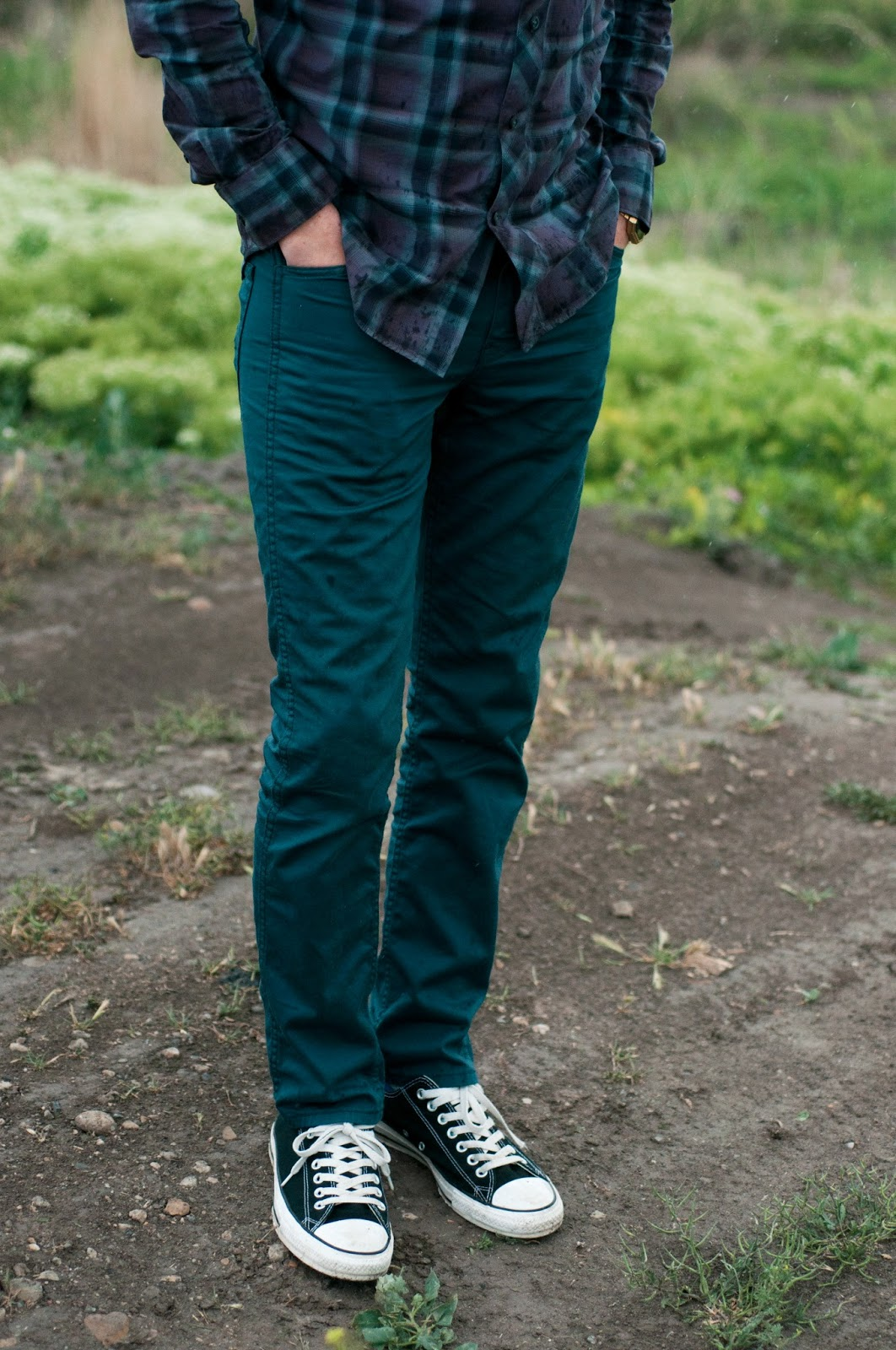 fashion blog, style blog, fashion blogger, mens style, ootd, mens ootd, mens jcrew style, jcrew style, jcrew, jcrew plaid slim fit shirt, jcrew purple plaid, levi's 510, levis jeans, converse, chucks, chuck taylors, black converse, nixon watch, nixon rerun, nixon gold watch, nixon, menswear, gold watch