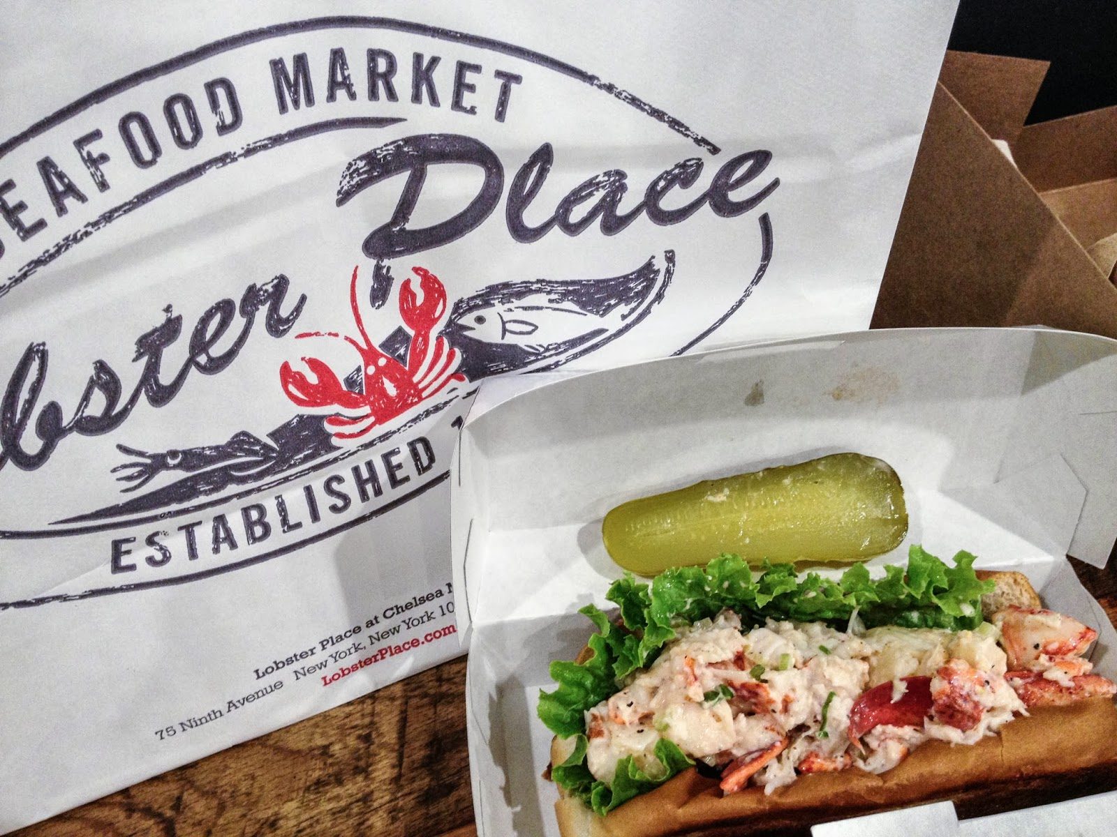 lobster roll, lobster, chelsea market place, lobster meal, seafood, what to eat in chelsea, new york food