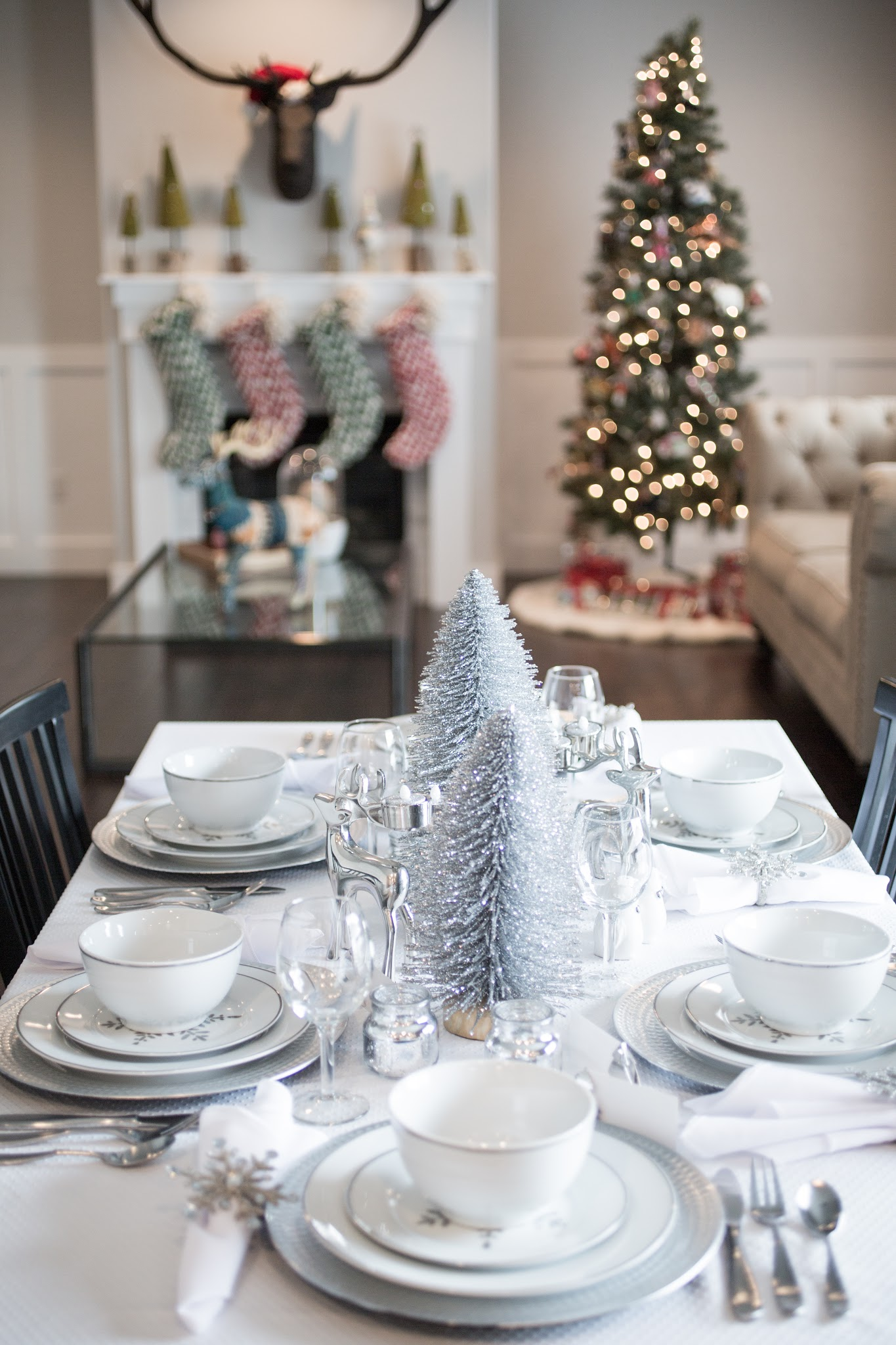 Setting up the Christmas Table Decorations | Kelsey Bang