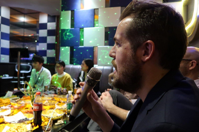 karaoke singing in china