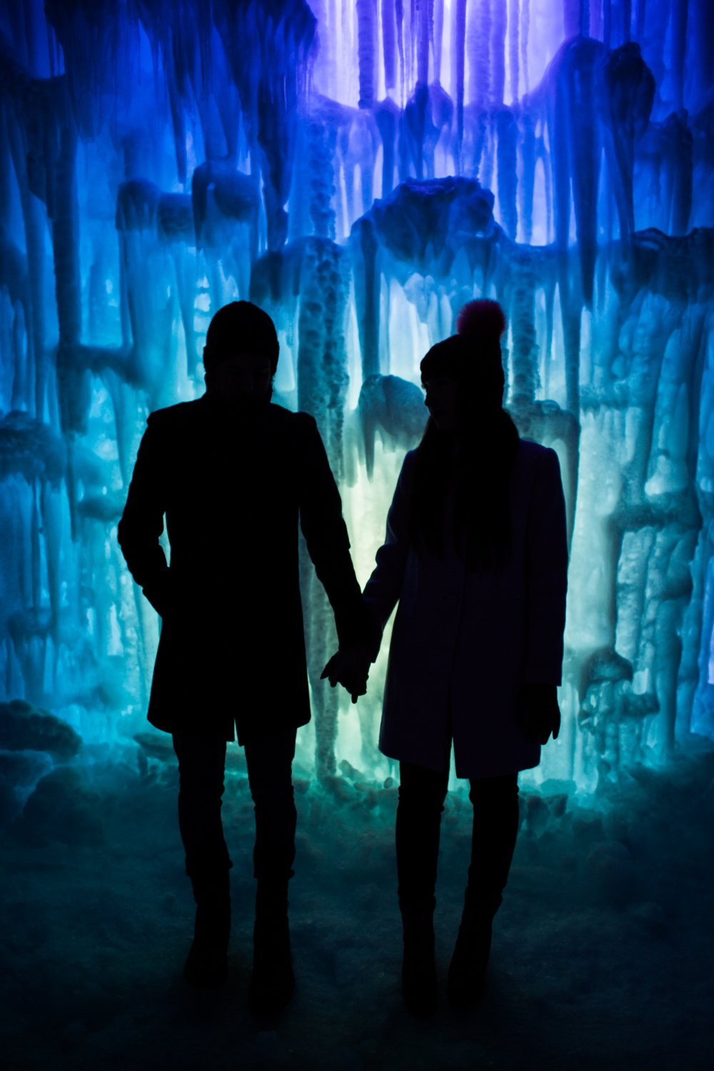 midway-ice-castles-zermont-homestead-2