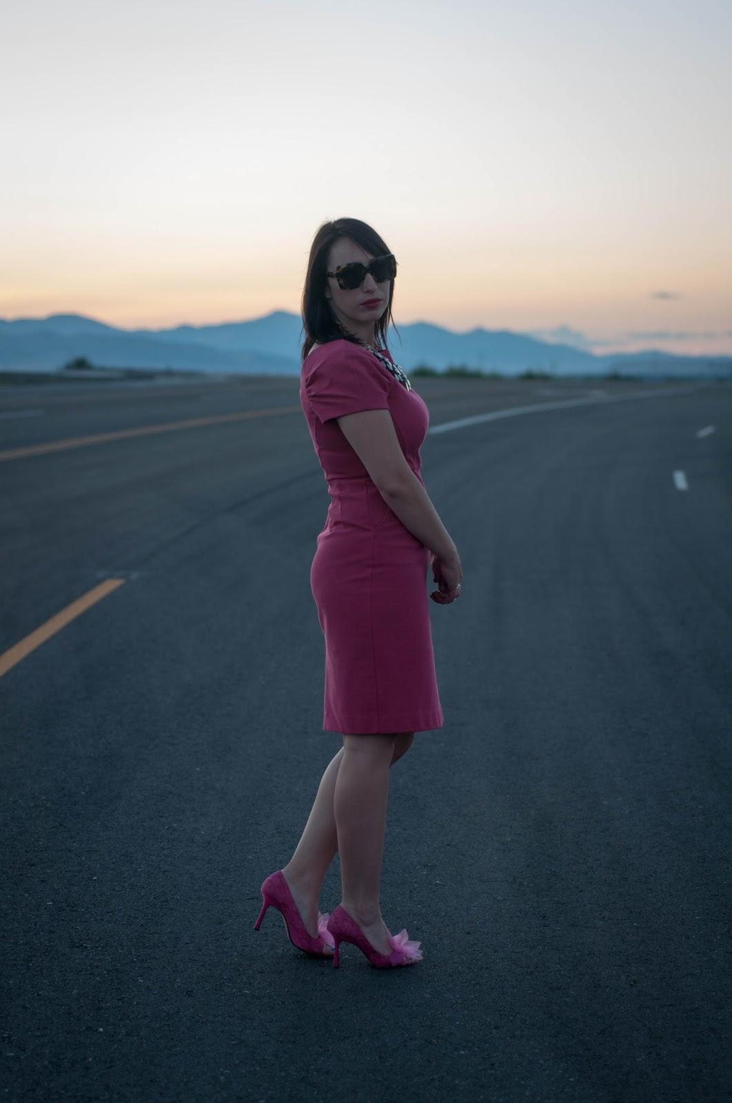 ootd, karen walker sunglasses, style blog, fashion blog, hot pink dress, pink dress, banana republic dress