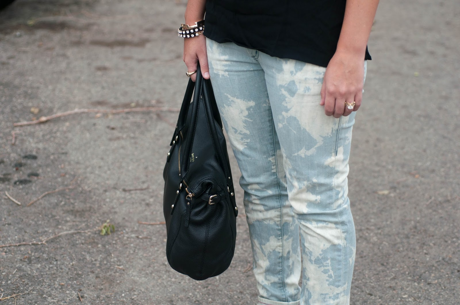 acid wash pants, bleached jeans, bleached pants, kate spade handbag, kate spade cobble hill leslie handbag, kill city