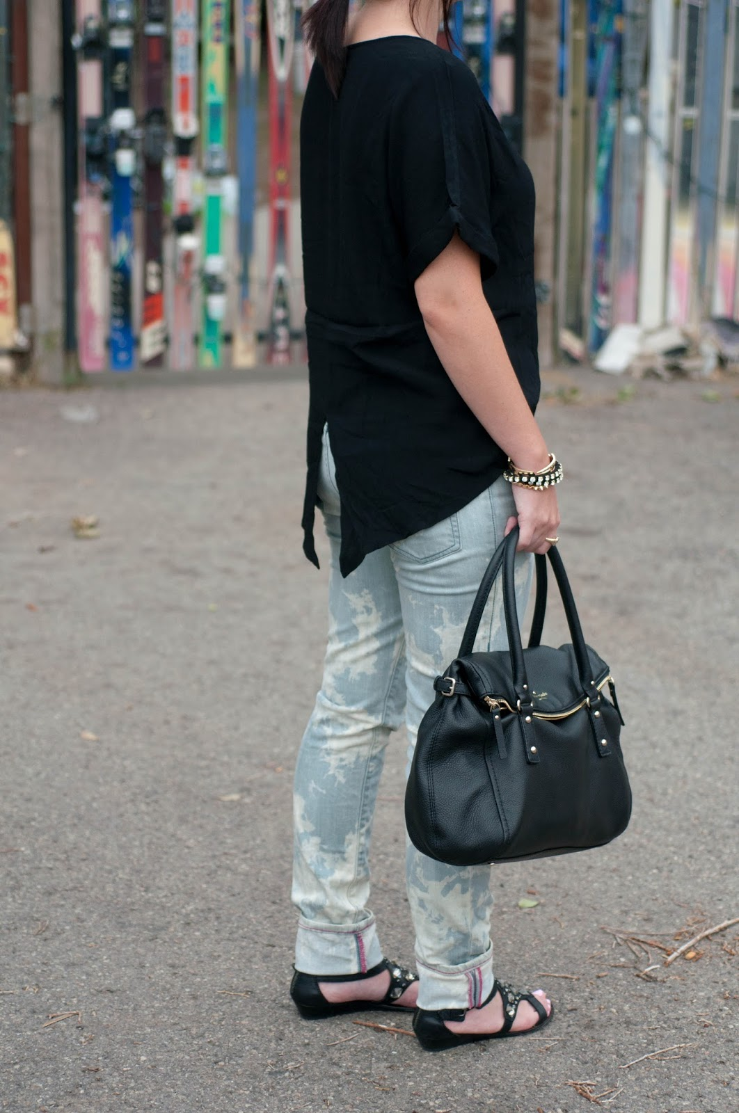 ootd, fashion blog, style blog, bleached jeans, acid wash pants, kate spade handbag