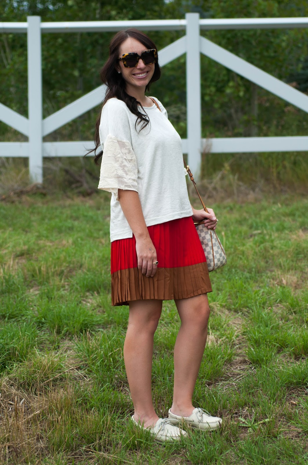 womens fashion blog, ootd blog, anthropologie ootd, sperry topsider, lace top, lands end skirt