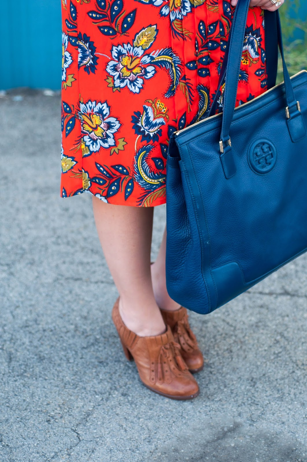 paisley print, tory burch handbag, tory burch hannah tote, navy leather, ootd, seychelles heels