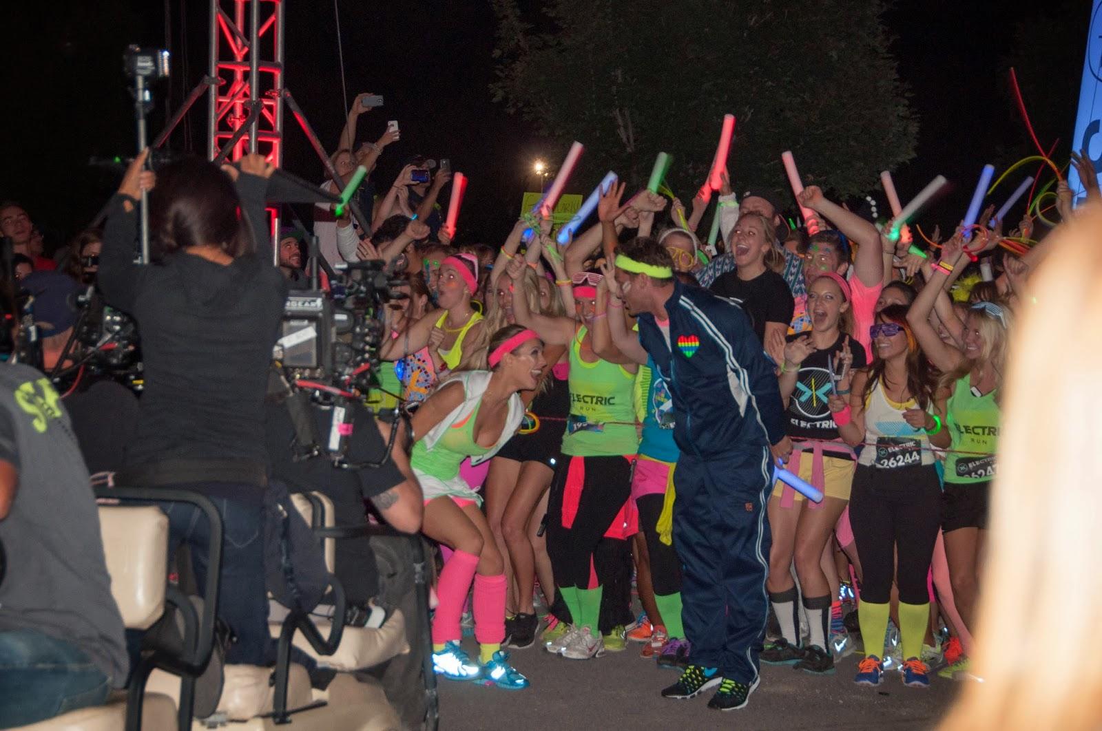 electric run, juan pablo, the bachelor, glow sticks, abc bachelor comes to utah,  juan pablo bachelor in utah,