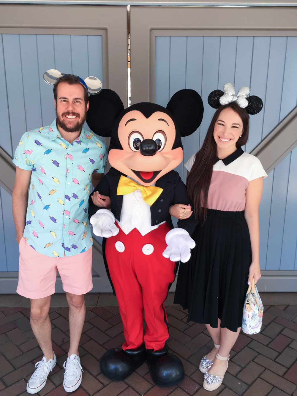 couples style blog at disneyland
