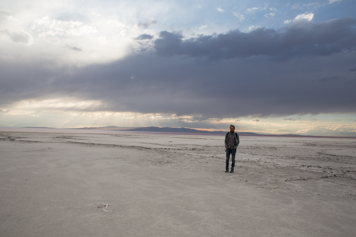 Pink Oceans Exist Tips For Visiting The Spiral Jetty Near