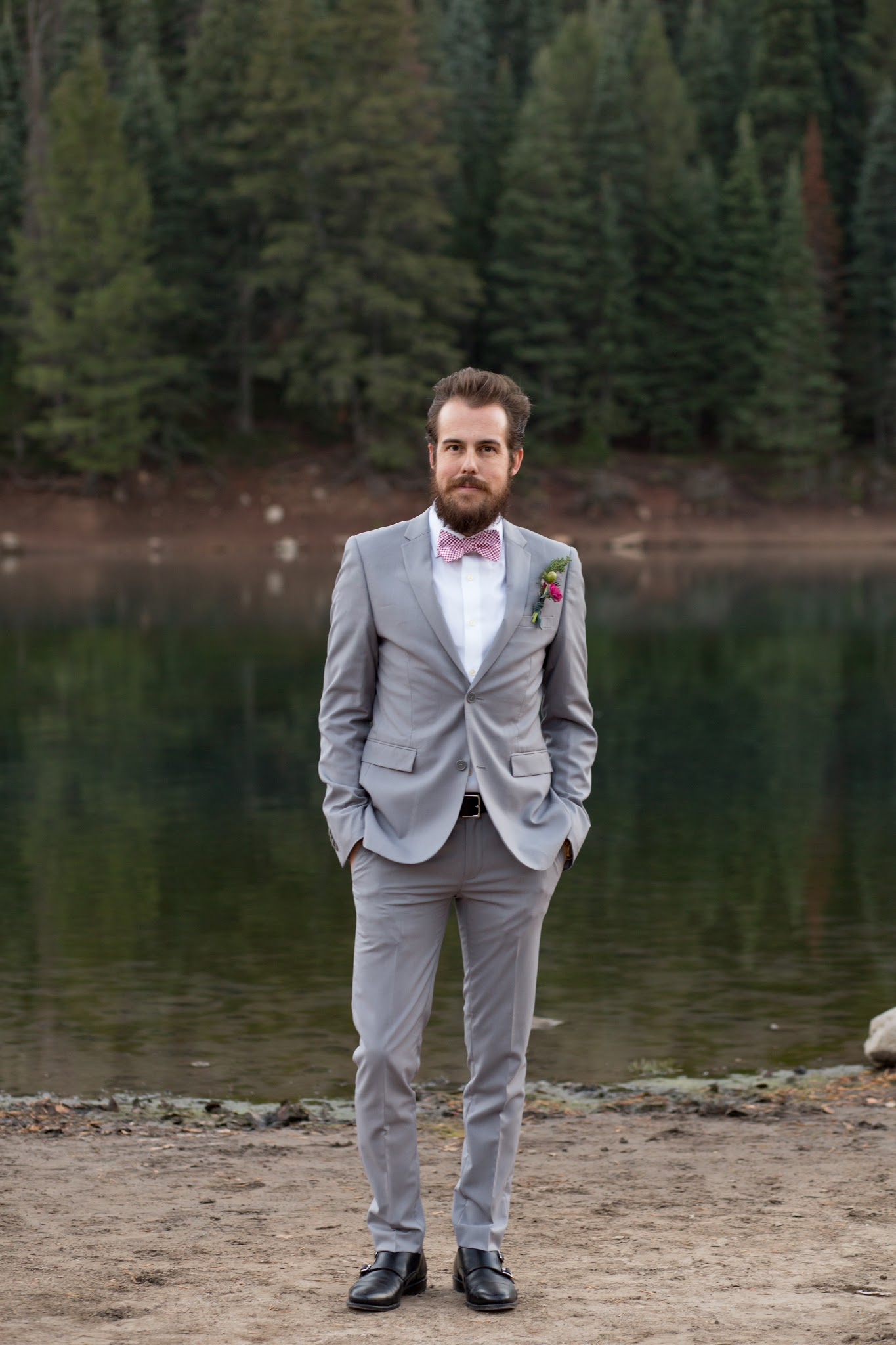 Mens Wedding Style - A Slim Gray Suit